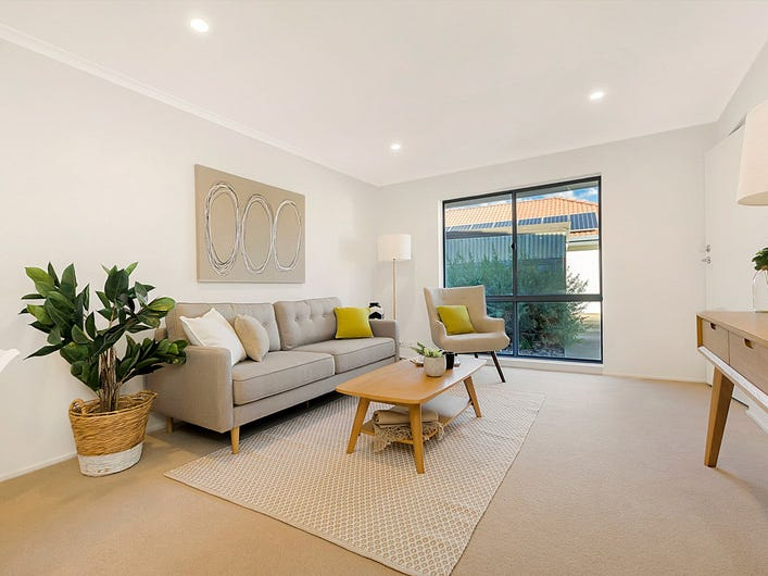 6/2  Falie Drive, North Haven