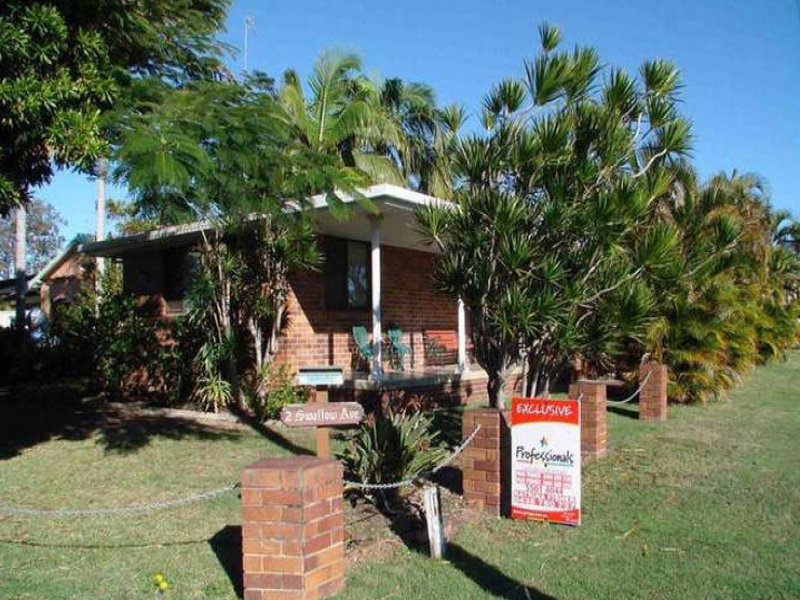 2 Swallow Avenue, Paradise Point, Qld 4216