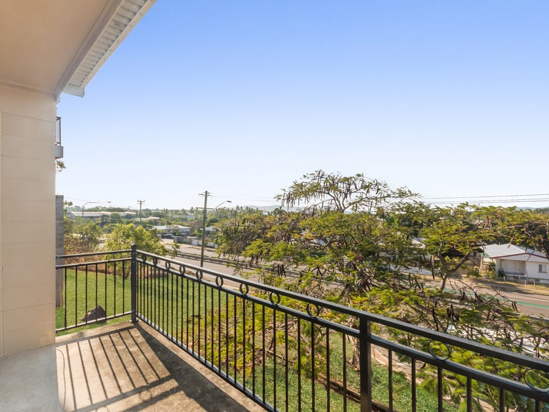 9/2 Bundock Street, Castle Hill, Qld 4810