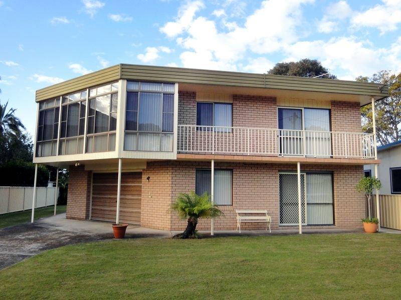 3 Bell Street, Dunbogan, NSW 2443