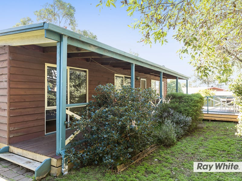 27 Raywood Avenue, Cowes, Vic 3922