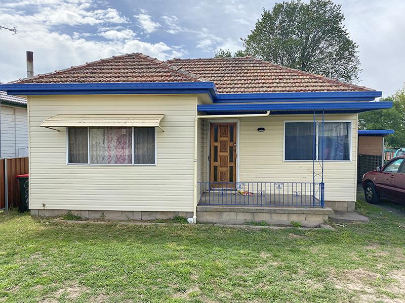 32 Burton Street, Blayney, NSW 2799
