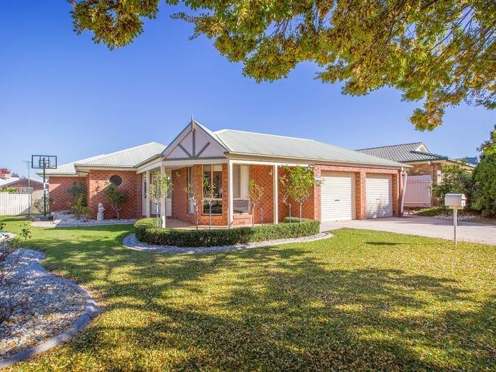 30 Saville Avenue, Lavington, NSW 2641