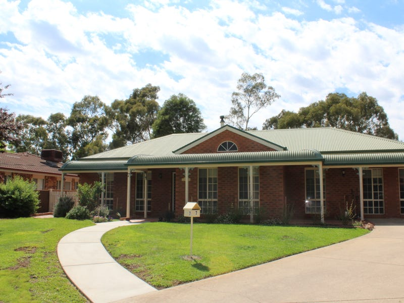7 Jeeba Place, Glenfield Park, NSW 2650