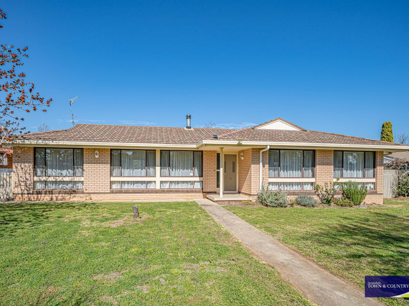 10 Robina Crescent, Armidale, NSW 2350
