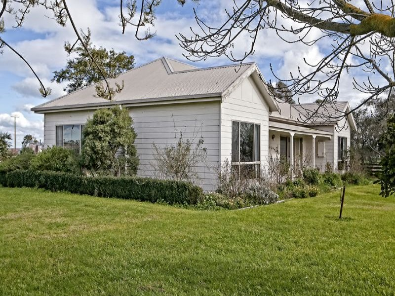 190 PARISH ROAD, Iona, Vic 3815