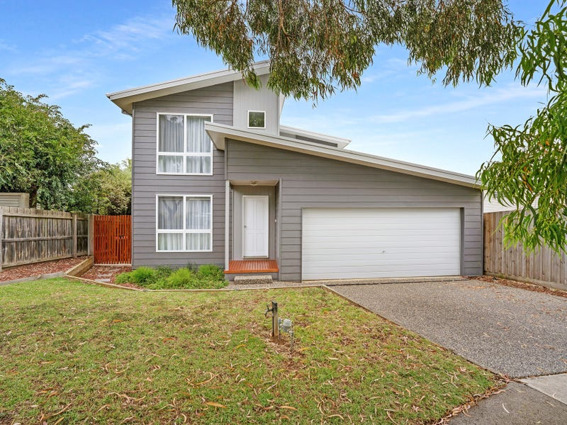 32 Norman Drive, Cowes, Vic 3922