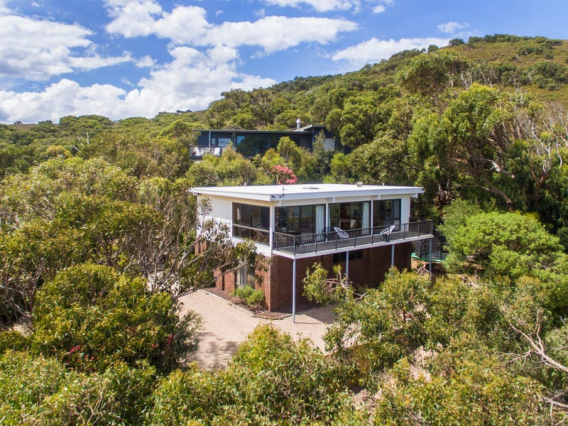8 Old Coach Road, Moggs Creek, Vic 3231