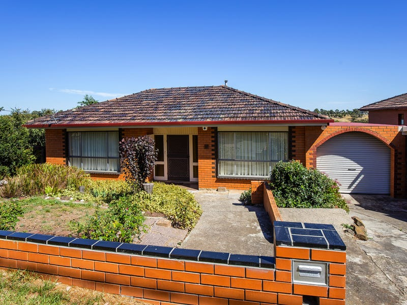 11 Laura Grove, Avondale Heights, Vic 3034