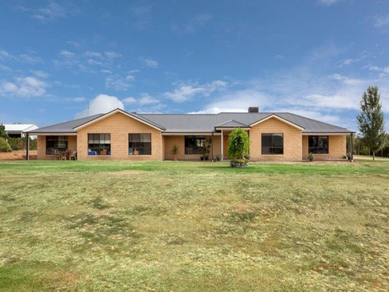 9 Olearia Place, Lake Albert, Wagga Wagga, NSW 2650