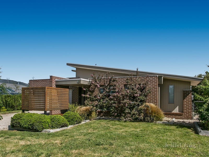12 Nutfield Close, Woodend, Vic 3442
