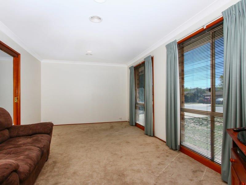 77 Clare Dennis Avenue, Gordon, ACT 2906