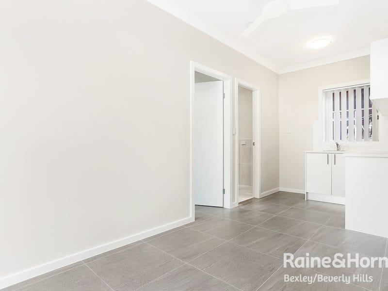 2/54 Grove Avenue, Narwee, NSW 2209