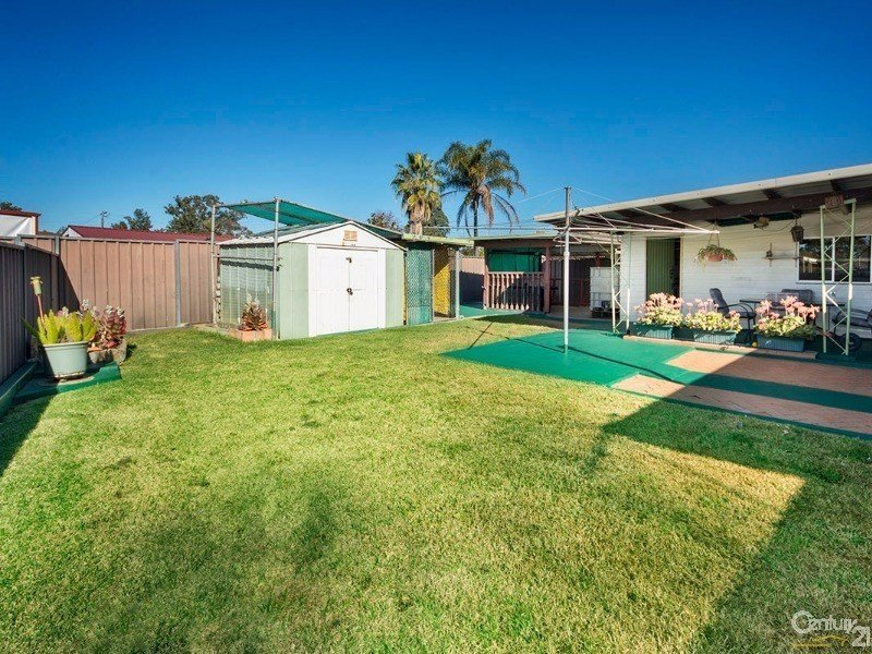 4 Charter Street, Sadleir, NSW 2168