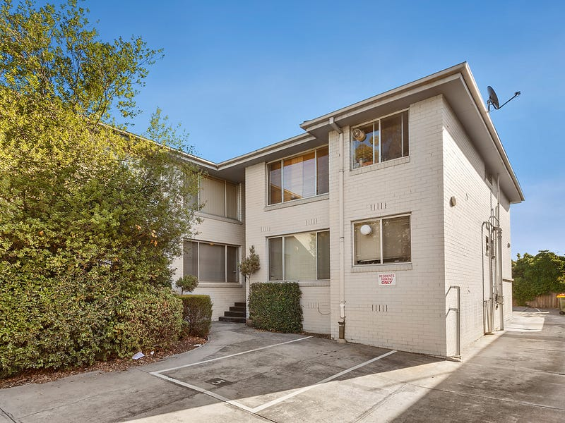 4/11 McCulloch Street, Essendon North, Vic 3041