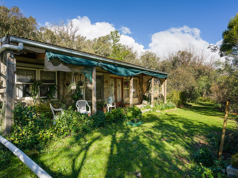 46 Miners Hut Road, Chewton Bushlands, Vic 3451