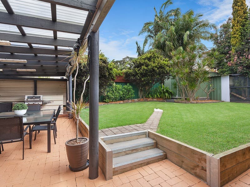 42 Audie Parade, Berkeley Vale, NSW 2261