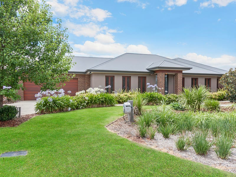 24 Holmwood Crescent, Doreen, Vic 3754