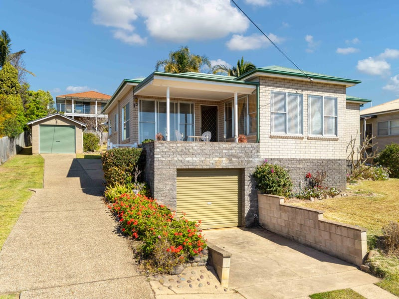 13 Lockyersleigh Avenue, Batehaven, NSW 2536