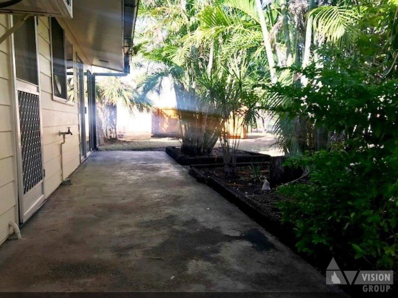 50 Stower St, Blackwater, Qld 4717