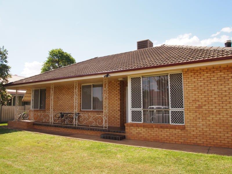 133a Bathurst Street, Condobolin, NSW 2877