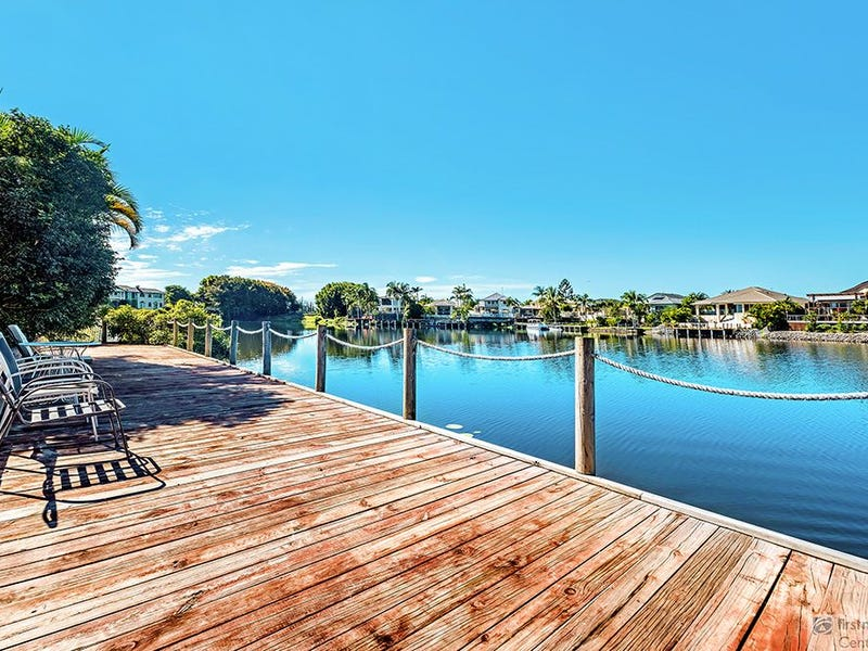 16 Staysail Cres, Clear Island Waters, Qld 4226