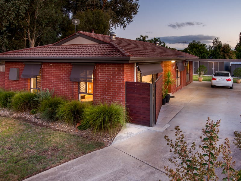 15 Blackbutt Court, Thurgoona, NSW 2640