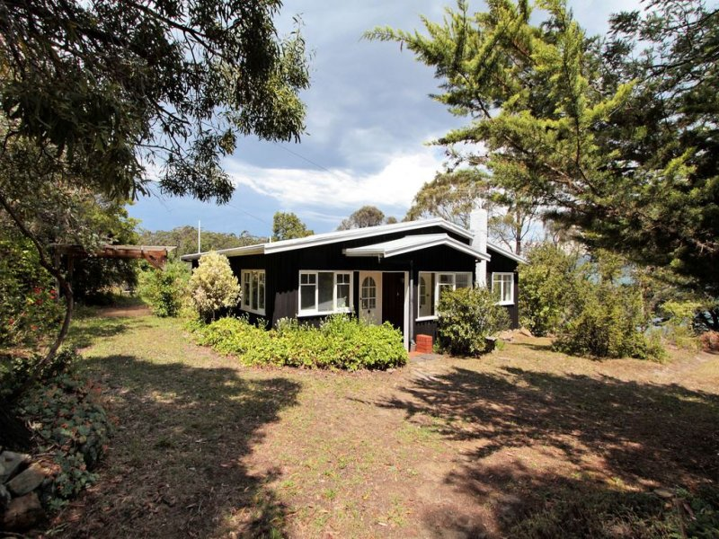 297 Howden Road, Howden, Tas 7054