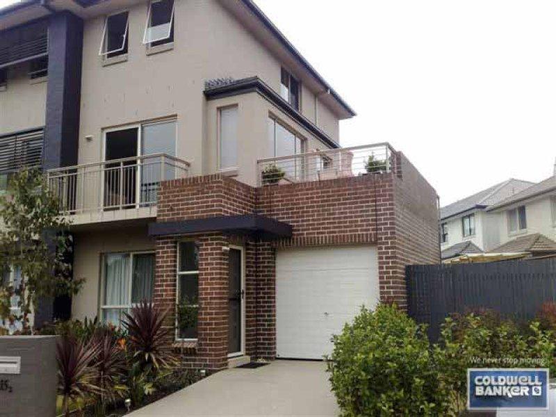 2/15 Parkwood Rd, Holsworthy, NSW 2173