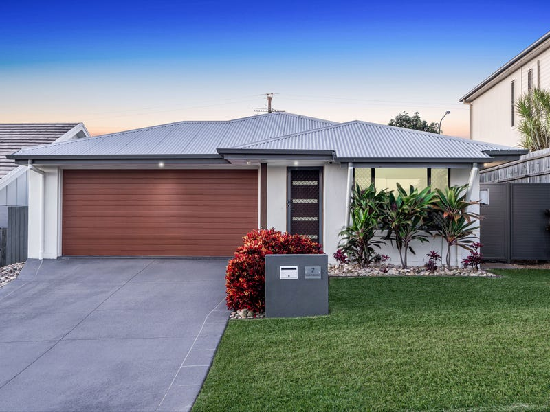 7 Demby Crescent, Wakerley, Qld 4154