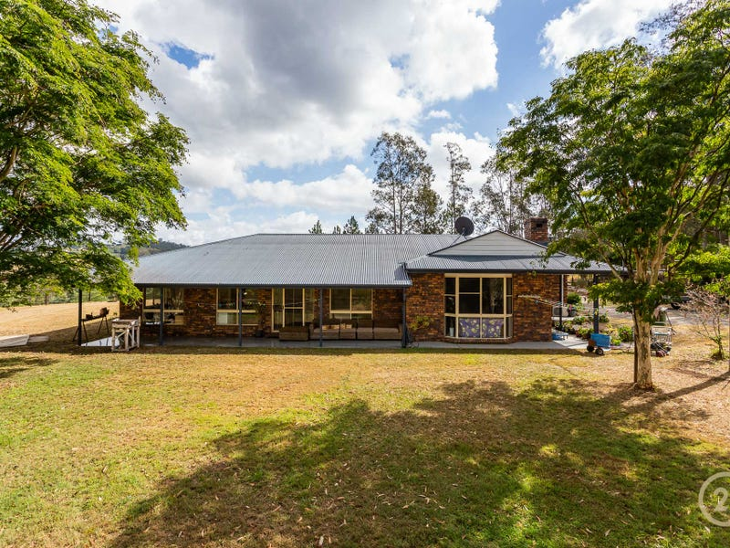 9 Dobson Road, Clear Mountain, Qld 4500
