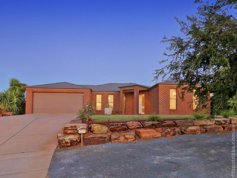 9 Balala Crescent, Bourkelands, NSW 2650