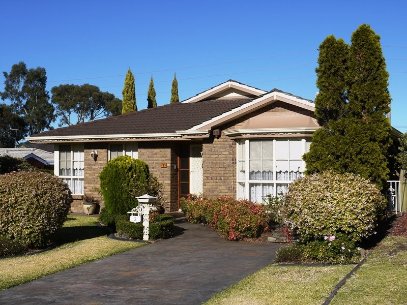 2 Langer court, Fairview Park, SA 5126