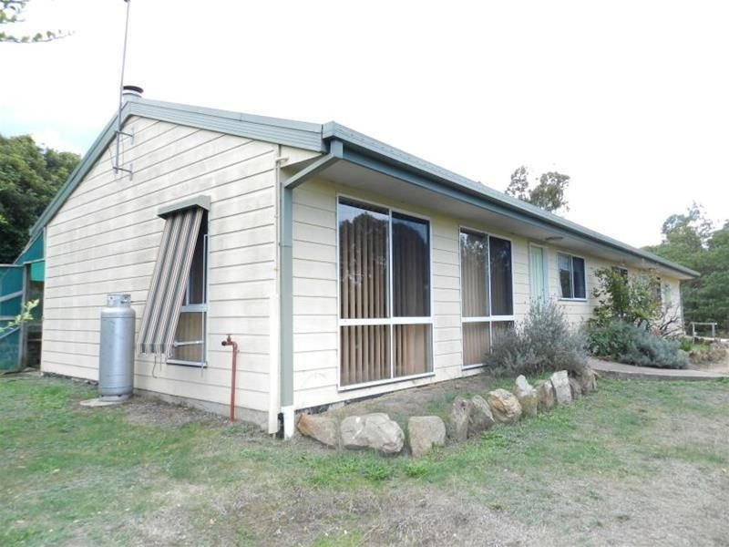 2001 Great Alpine Road, Wiseleigh, Vic 3885