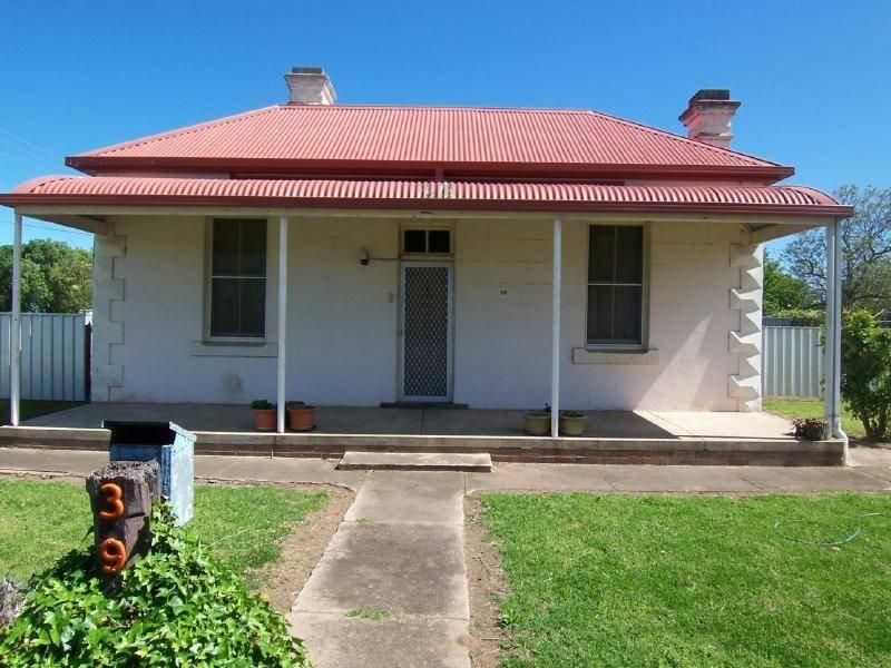 39 Centenary Avenue, Cootamundra, NSW 2590