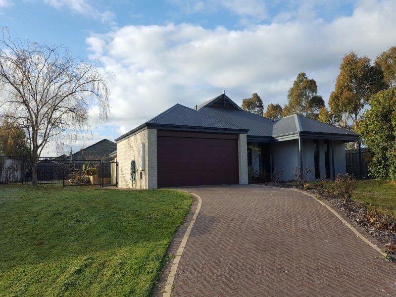 68 Braidwood Drive, Australind, WA 6233