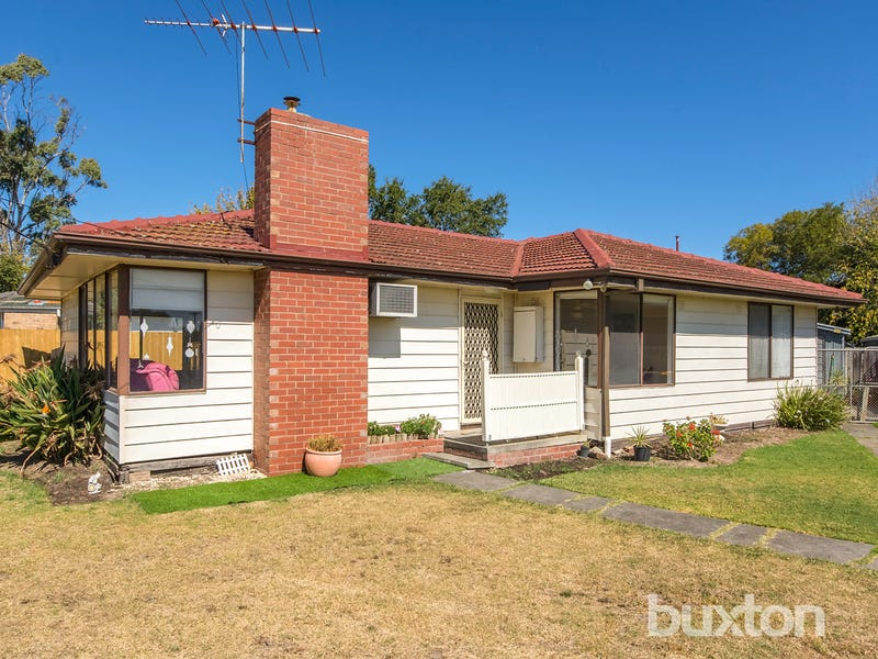 16 Andrew Street, Newcomb, Vic 3219