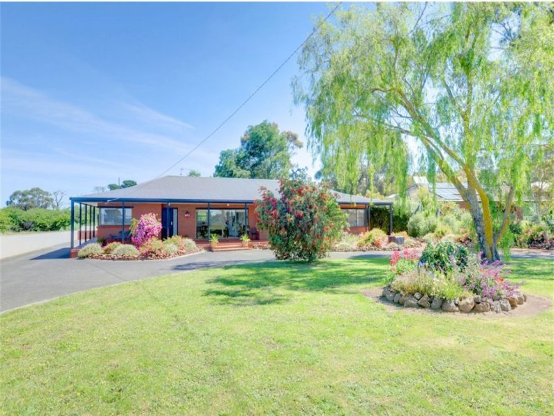 13 Cummins Road, Mount Rowan, Vic 3352