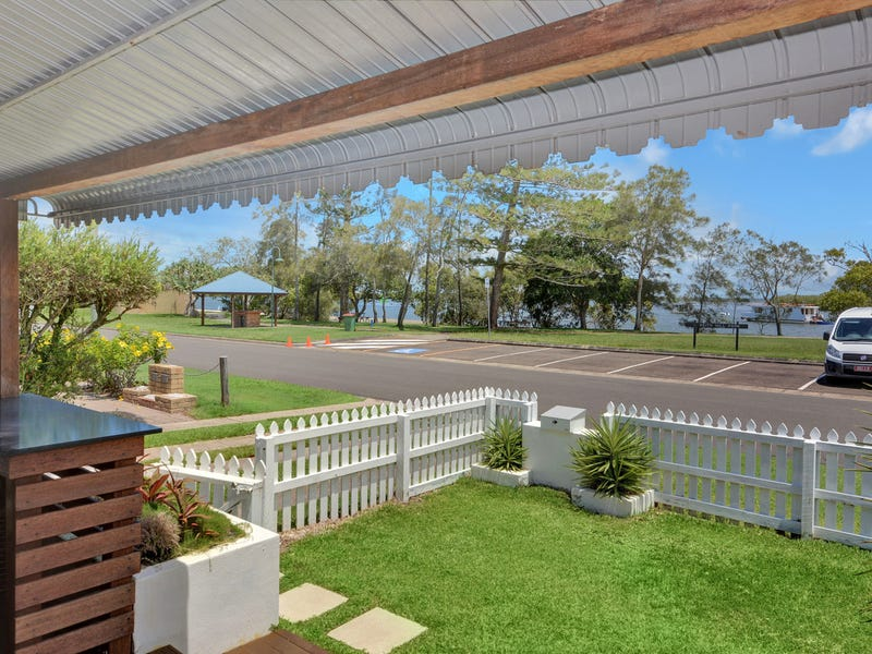 2/191 Esplanade, Golden Beach, Qld 4551