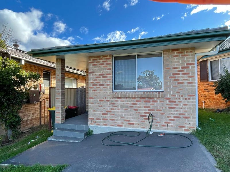8A IONA PLACE, St Andrews, NSW 2566
