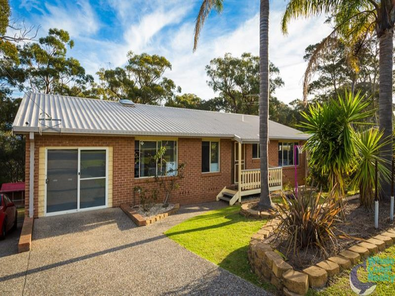 43 Hillcrest Ave, North Narooma, NSW 2546