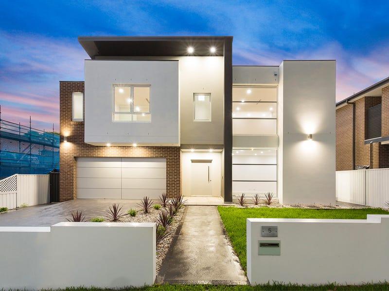 5 Clarke Street North, Peakhurst, NSW 2210