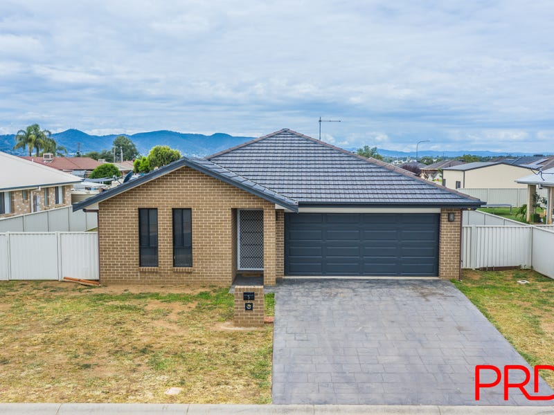 5 Carnegie Place, Tamworth, NSW 2340