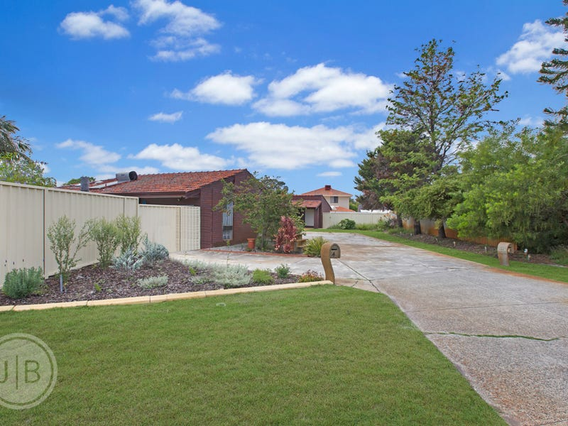 4 Higham Court, Leeming, WA 6149