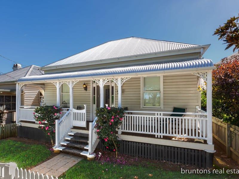 25 Godsall Street, East Toowoomba, Qld 4350