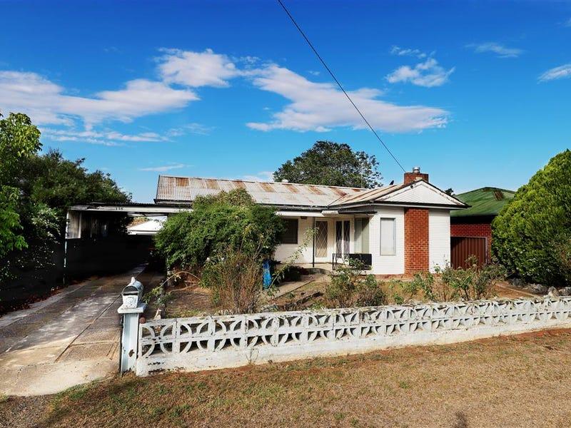 136 Simpson Street, Tumut, NSW 2720