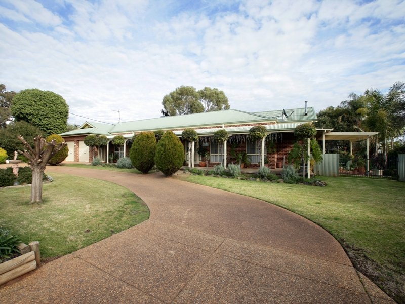 4 Bristol Street, Collingullie, NSW 2650