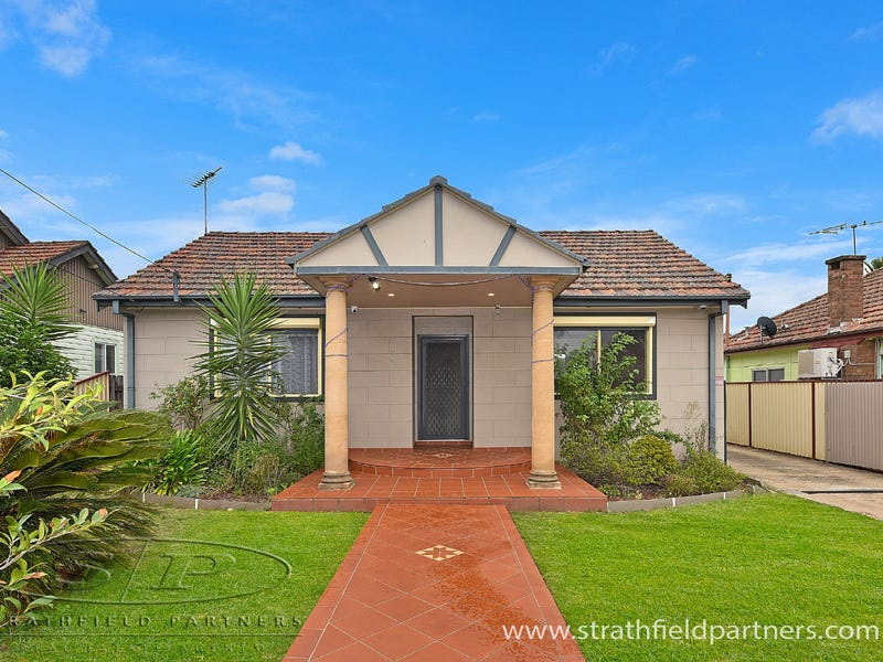 132 Roberts Road, Greenacre, NSW 2190