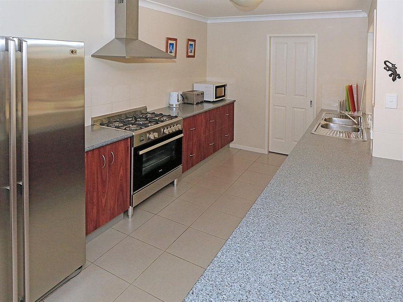 36 Cherryfield Road, Gracemere, Qld 4702