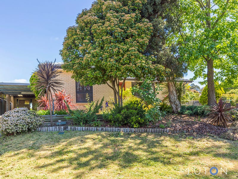 13 Hinchcliffe  Place, Spence, ACT 2615